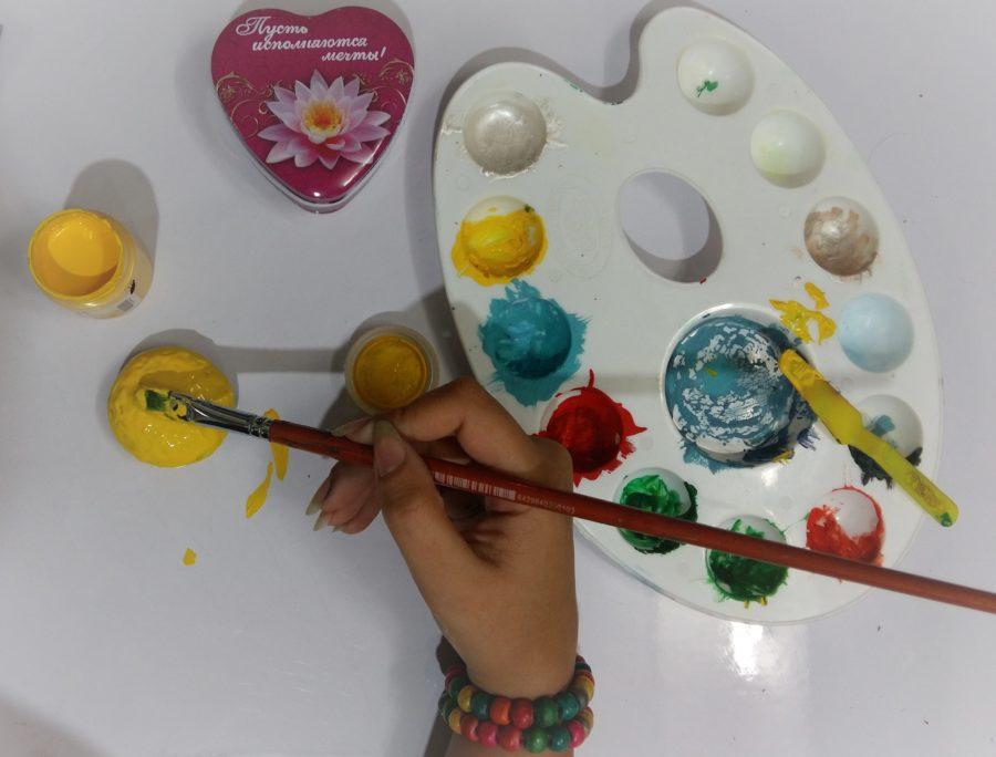 رنگ زدن سنگ در نقاشی