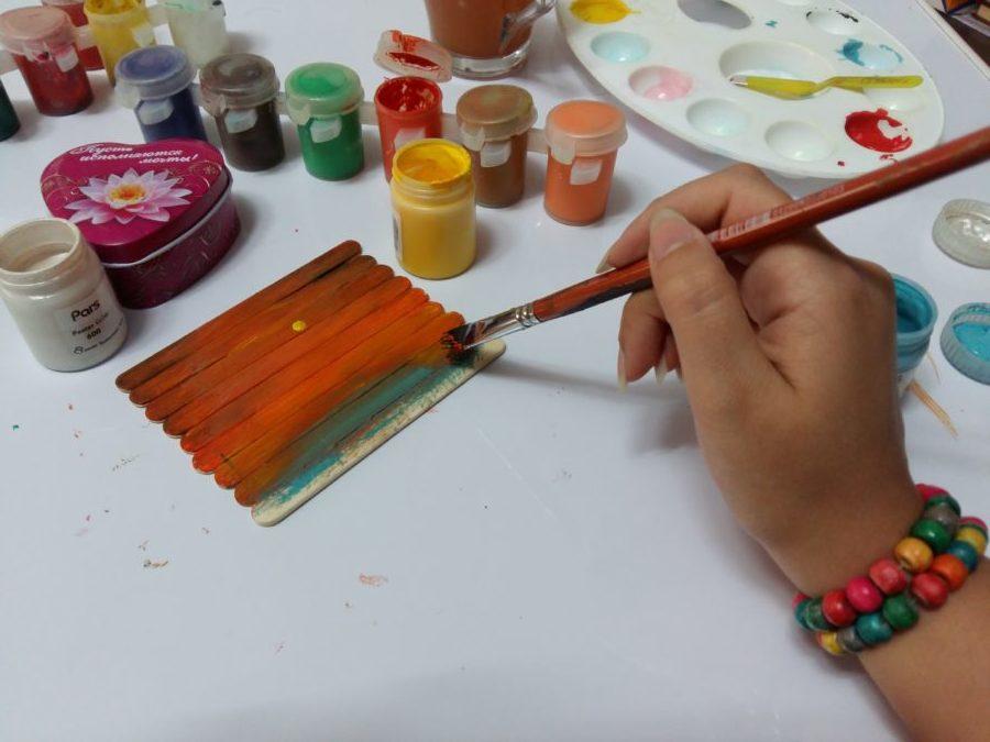 رنگ آمیزی نقاشی روی چوب
